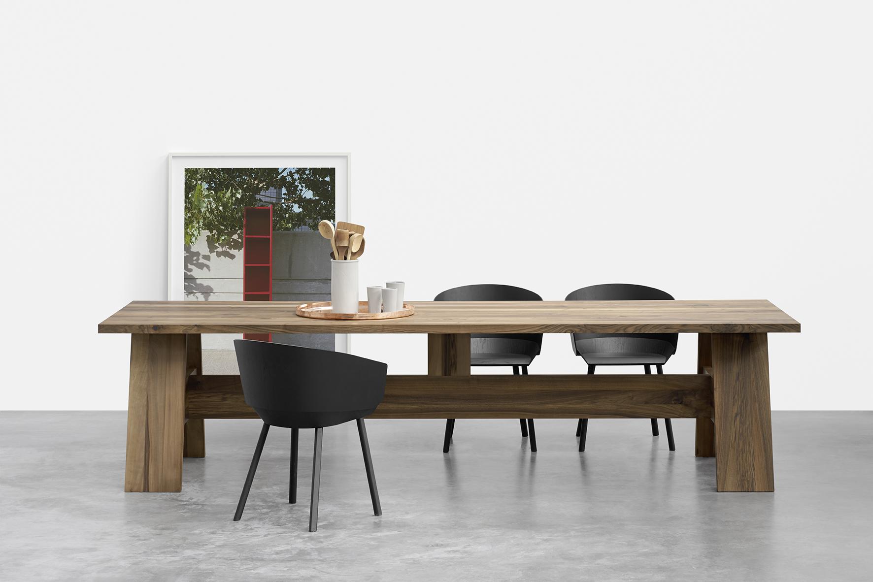 E15 presenta por primera vez en Hábitat la mesa \'Fayland\' de David ...
