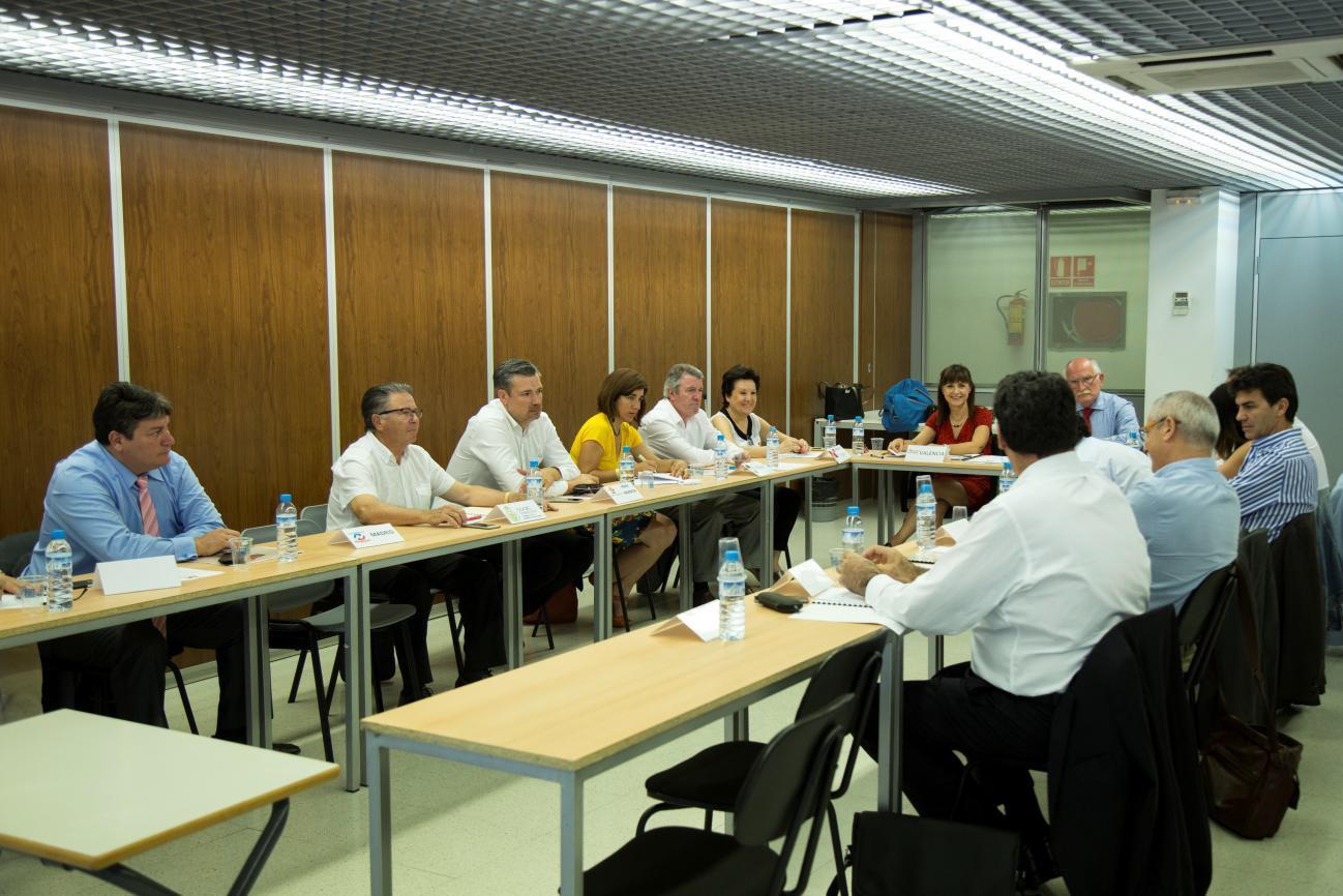 Feria h bitat valencia participa en el nacimiento del for Feria del mueble valencia